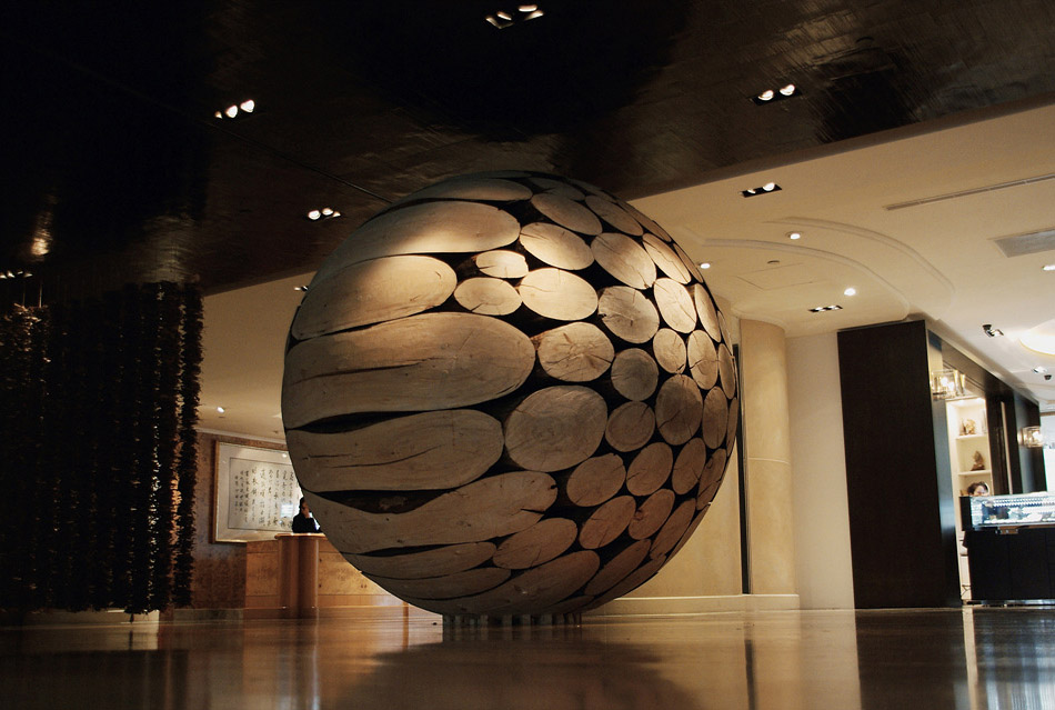 Tree Trunks to Stunning Wood Sculptures By Lee Jae Hyo 14